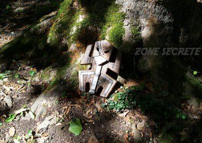 Totem mécanique réalisé par zone secrète.