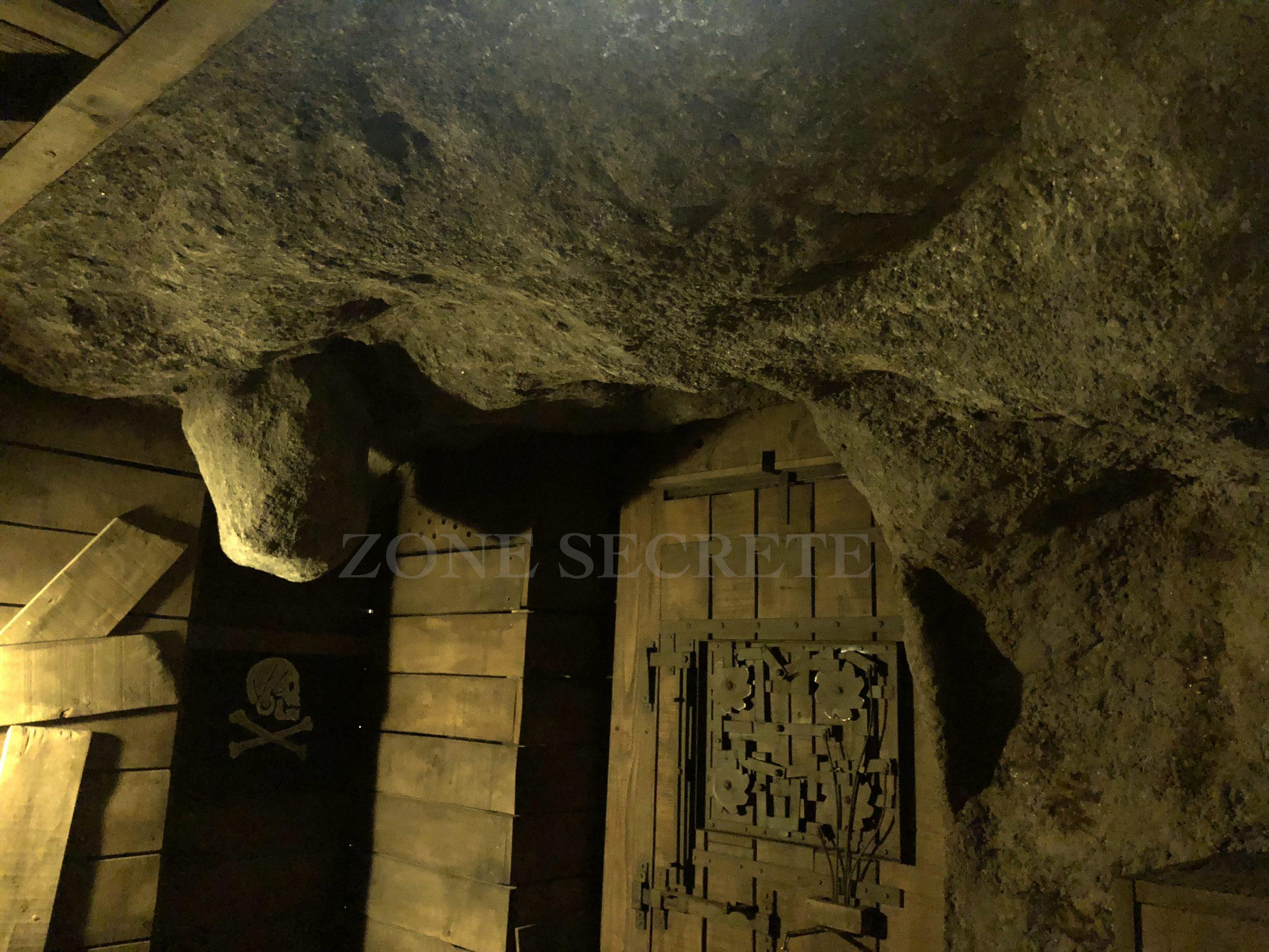 Création d'une grotte ultra réalise en béton.