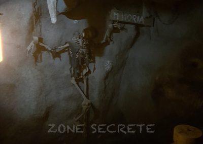 Grotte et squelette escape game réalisé par Morgan BRUYNOOGHE.